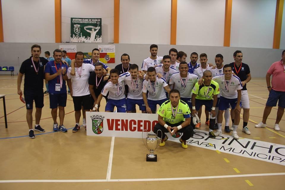 6ce4459b935b9 AFATV - Notícia - Futsal Azeméis conquista Taça de Honra de Aveiro
